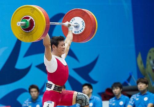 Thạch Kim Tuấn giành ba HC vàng thế giới