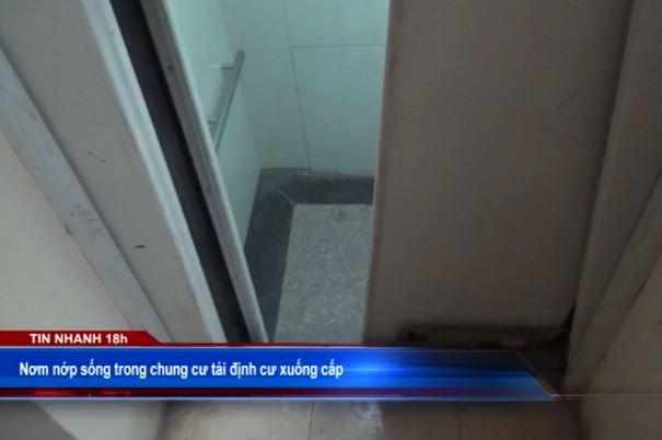 Nơm nớp sống trong chung cư tái định cư xuống cấp