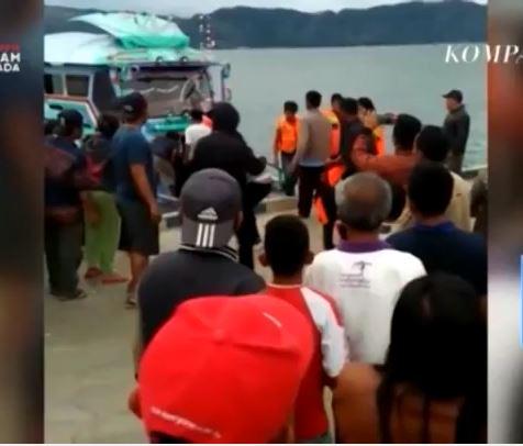 Indonesia: Chìm thuyền chở hơn 80 người trên hồ Toba