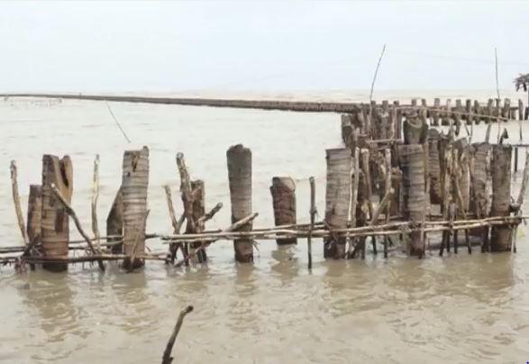 Đê quốc phòng huyện An Minh kêu cứu