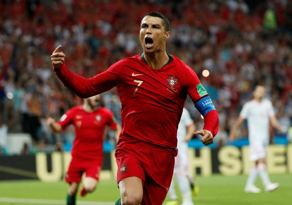 Ronaldo lập hat-trick, Bồ Đào Nha hòa Tây Ban Nha