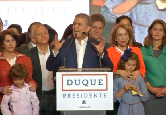 Tổng thống Colombia cam kết đoàn kết đất nước