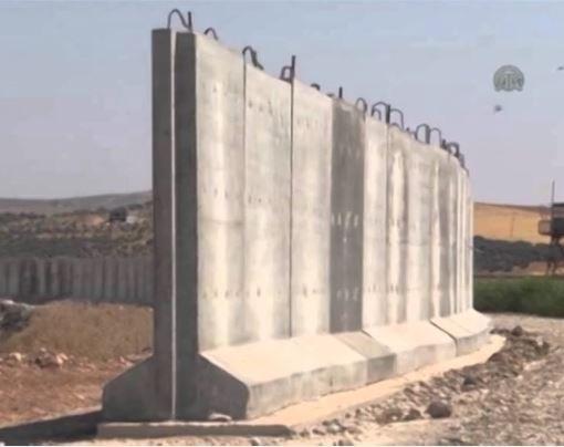 Thổ Nhĩ Kỳ xây dựng tường biên giới với Syria