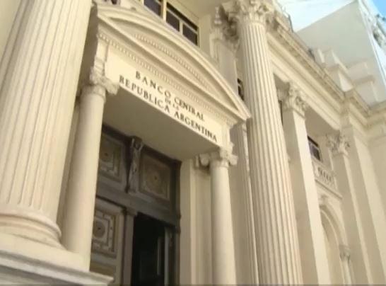 Argentina ra sắc lệnh giảm chi tiêu công