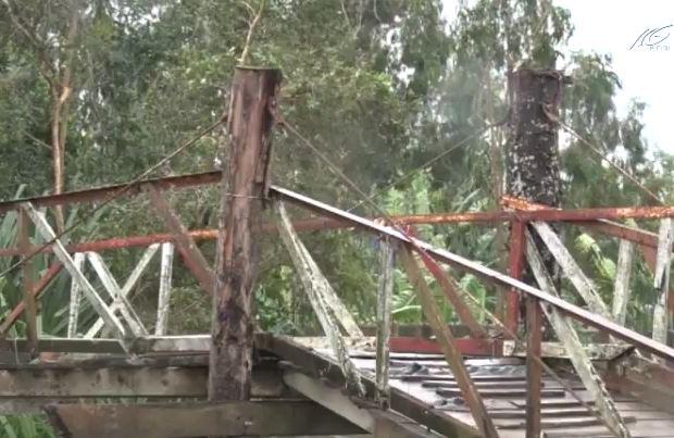 Xây dựng cầu Kênh 200 bị đình trệ