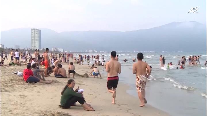 Thu hồi đất, mở đường cho người dân đi tắm biển