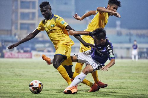 Căng thẳng cuộc đua top 3 ở V-League
