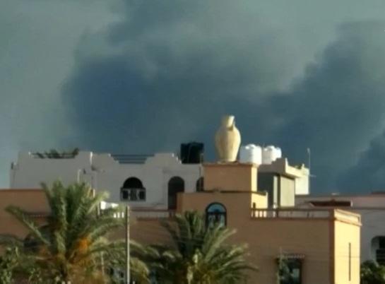 Khoảng 400 tù nhân vượt ngục ở gần Tripoli