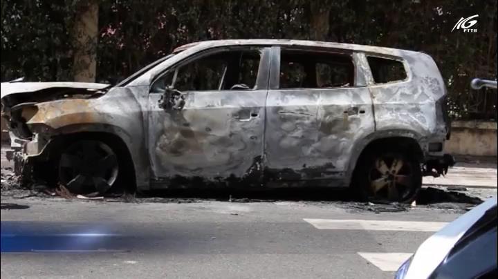Truy tìm người phóng hỏa đốt xe ô tô