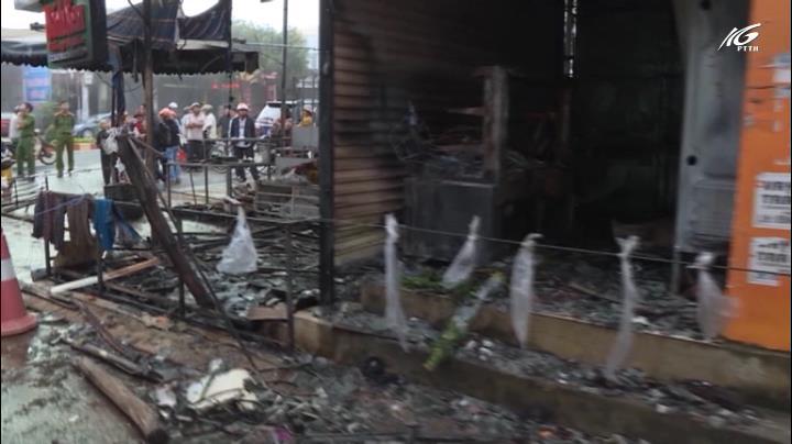 Cháy cửa hàng hoa, 2 người chết