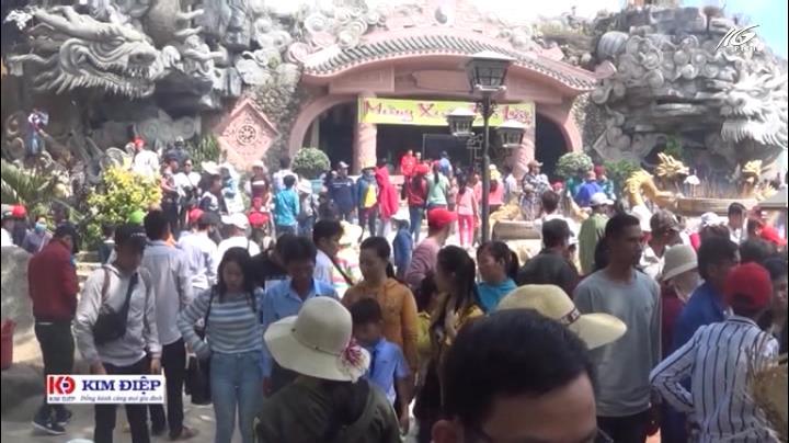 Hơn 714.000 lượt khách đến An Giang tham quan