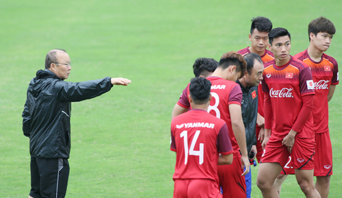 HLV Park loại năm cầu thủ khỏi U23 Việt Nam