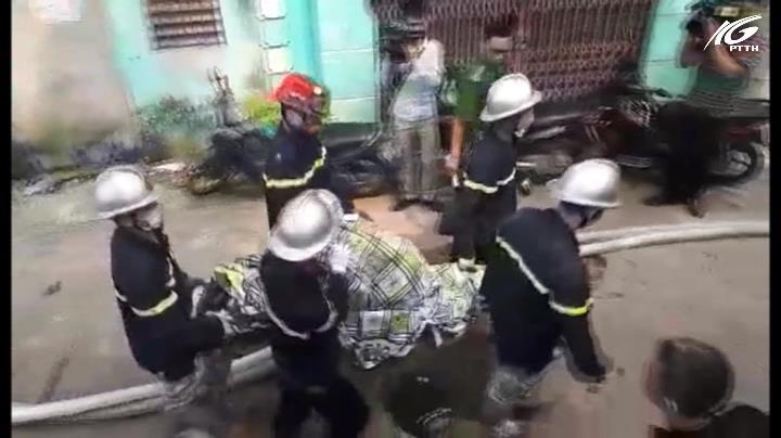 Cháy nhà xưởng lúc rạng sáng, 7 người chết