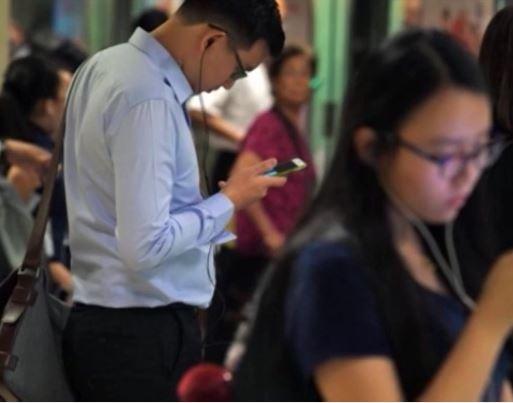 Singapore mạnh tay chống tin giả