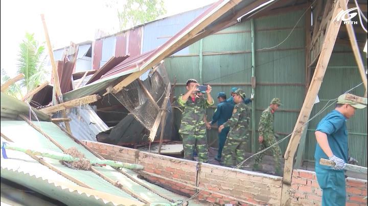 Hơn 100 căn nhà bị tốc mái ở Đồng Tháp