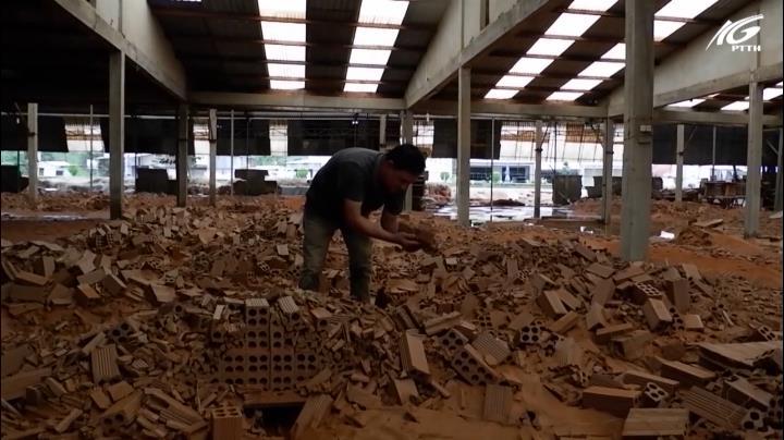 Lò gạch thành đất vụn sau đợt ngập ở Phú Quốc