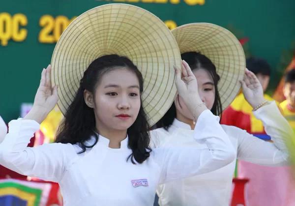 Trường học Thừa Thiên Huế không thả bóng bay trong ngày khai giảng