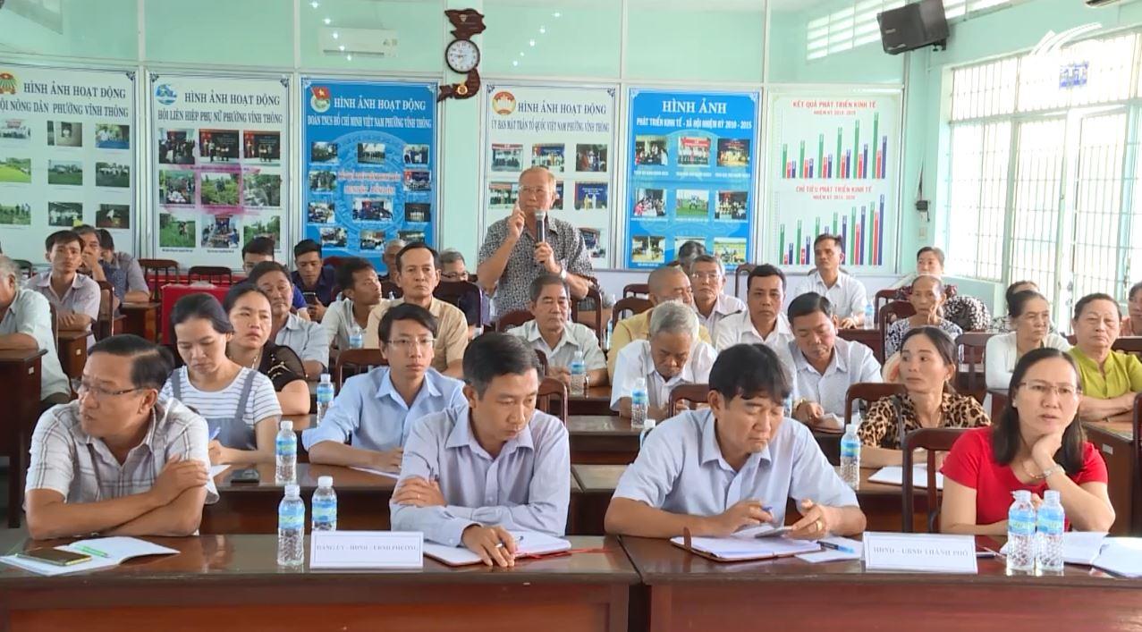 Cử tri phường Vĩnh Thông bức xúc tình trạng trụ điện lấn chiếm đường 30/4