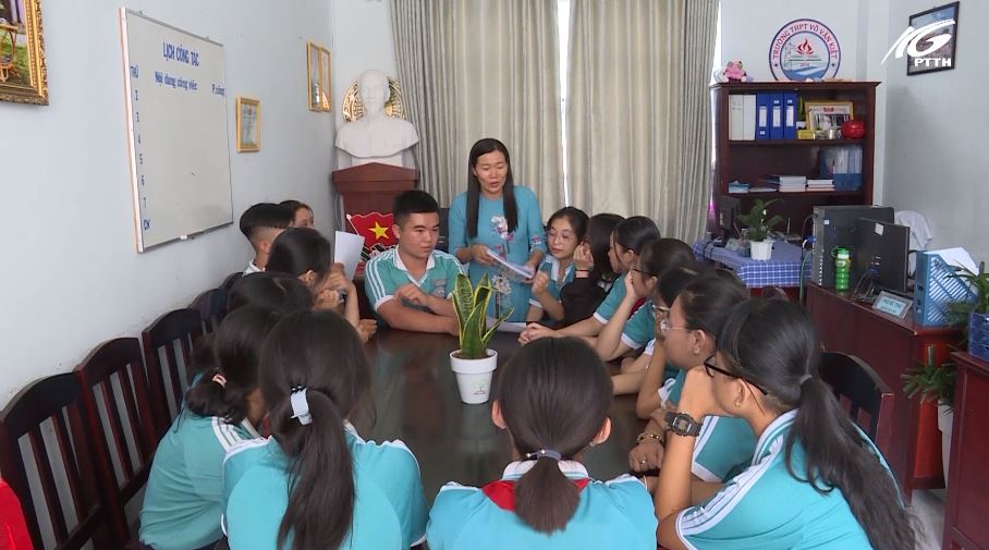 Cô giáo truyền lửa đam mê nghiên cứu khoa học cho học sinh