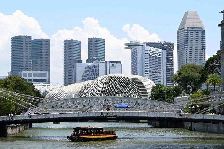 Sống bế tắc ở Singapore