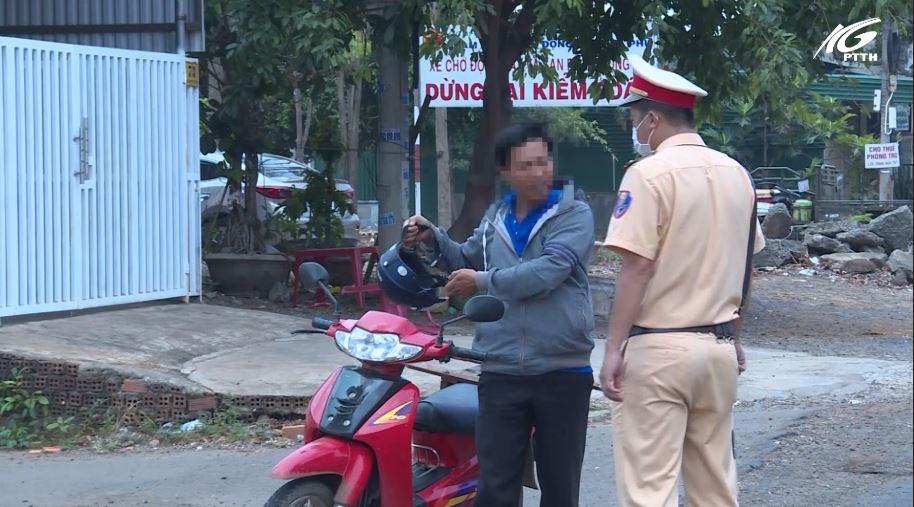 Buôn Ma Thuột - Đắk Lắk: Xử phạt 28 trường hợp không đeo khẩu trang