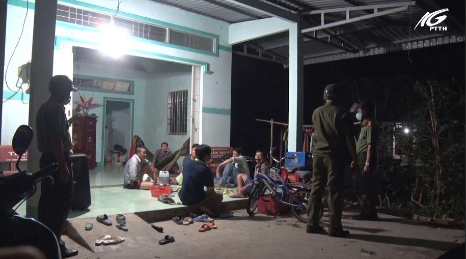 Huyện Vĩnh Thuận: Kiên quyết xử lý các trường hợp không chấp hành quy định phòng, chống dịch bệnh