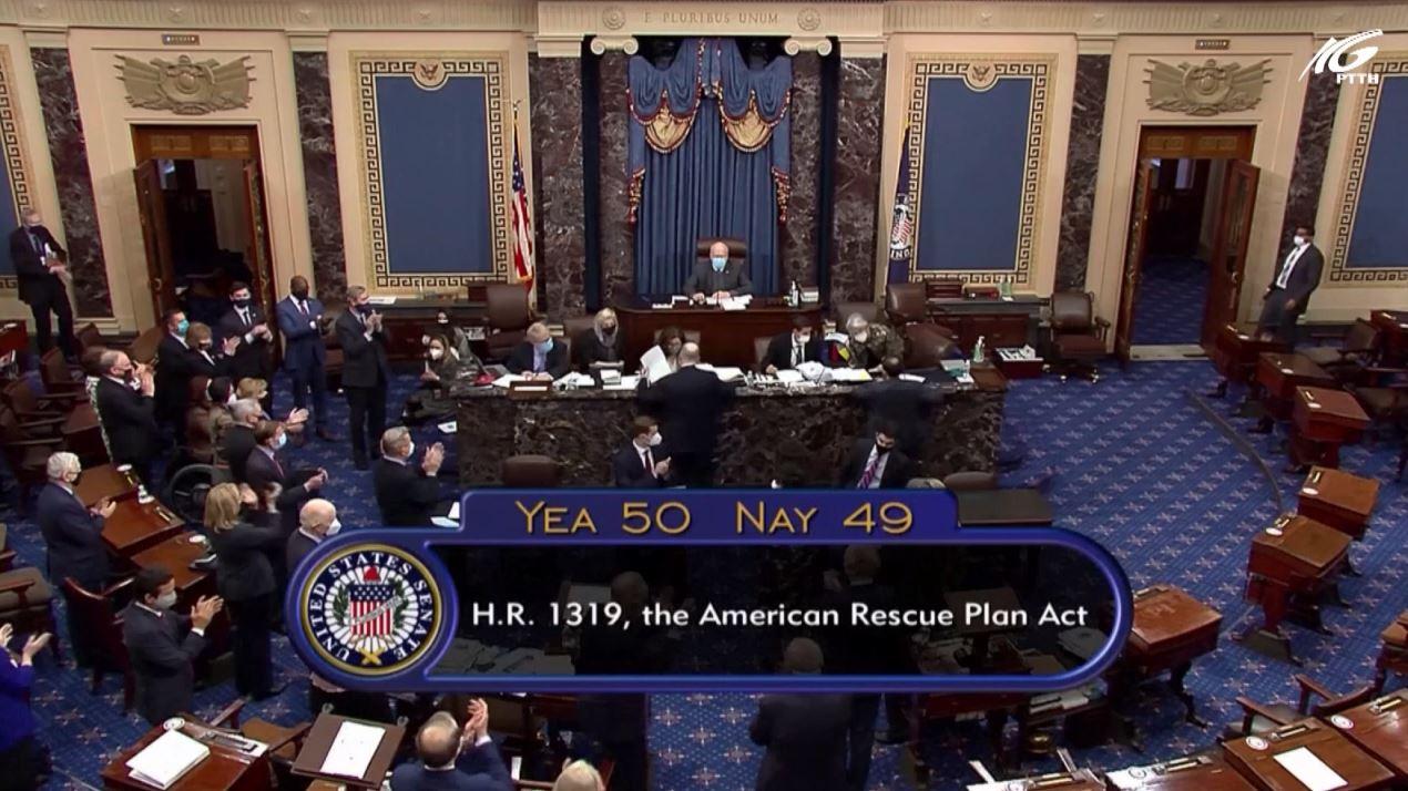 Nghị sĩ Mỹ hoan nghênh gói cứu trợ COVID-19