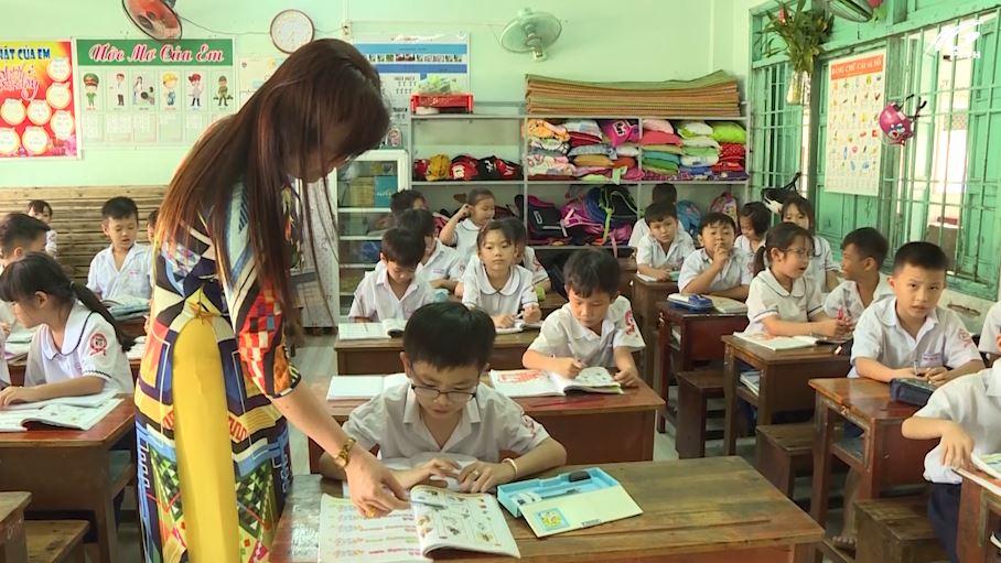 Huyện Hòn Đất với công tác chuẩn bị thay sách giáo khoa